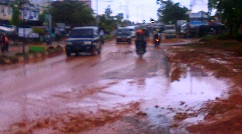 Banjir Lumpur di Jalan WR. Supratman. Foto Ian