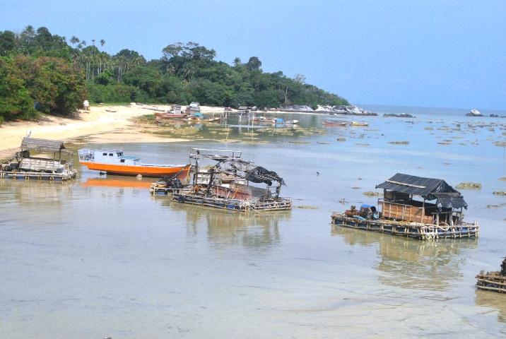 Tempat penyedot bahan timah di Pulau Pekajang. Foto Ian