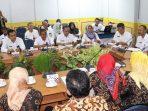 Pemkab Bintan Saat Bertemu Dengan Rombongan Komisi I DPRD Batang