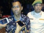 Lurah Sei Lekop, M. Ridwan Saat Diwawancara Media. Foto SYAIFUL AMRI