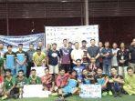 Tim Futsal Foto Bersama Usai Penyerahan Piala