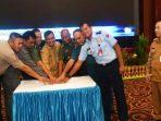 Sekdaprov Kepri Arif Fadillah Bersama FKPD Saat Menekan Tombol Sirine Peluncuran Aplikasi Smart KCS