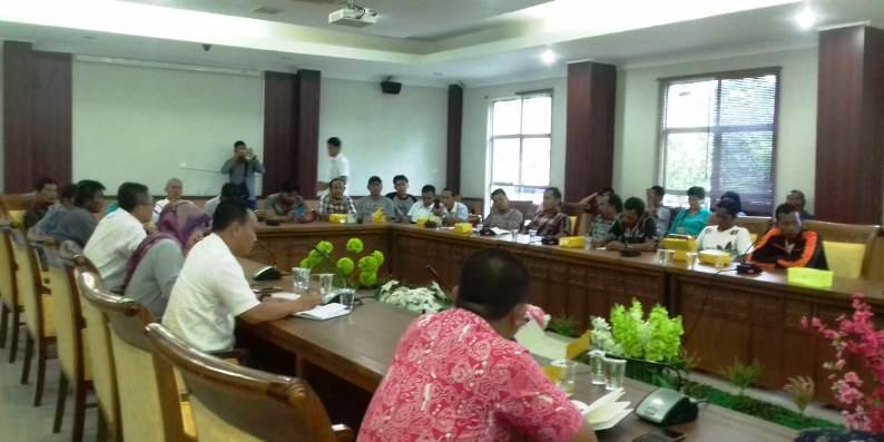 Komisi III DPRD Kota Batam Saat RDP Bersama Masyarakat Bengkong. Foto JIHAN