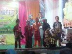 Para Pemenang Lomba Saat Berdiri Dipanggung. Foto NAZILI