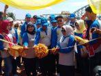 Wakil Walikota Tanjungpinang, Rahma Saat Memotong Pita. Foto NOVENDRA