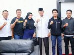 Pengurus Pengkot Muaythai Tanjungpinang Foto Bersama Syahrul Usai Audiensi