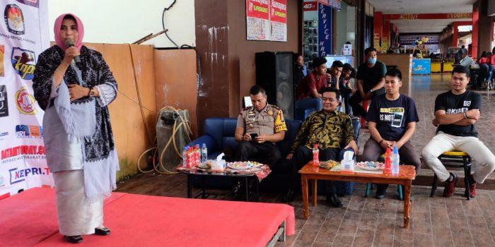 Wakil Walikota Tanjungpinang, Rahma saat berikan kata sambutan di penutupan Literasi Media AJI