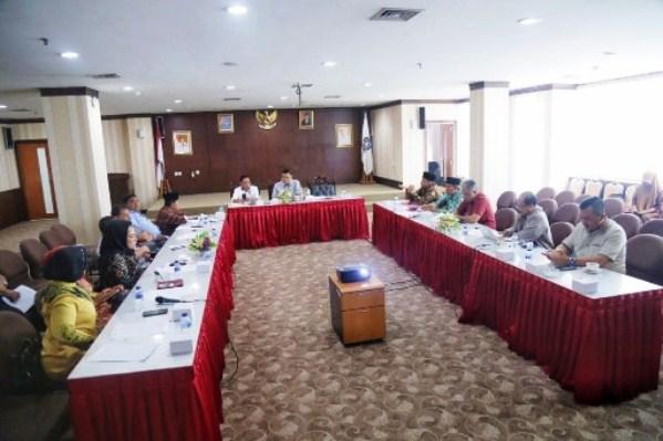 Komisi III DPRD Kepri Saat Menerima Kunjungan DPRD Riau