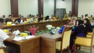 Puluhan Warga RW 16 Kelurahan Kabil Saat RDP Bersama Komisi I DPRD Kota Batam. Foto JIHAN