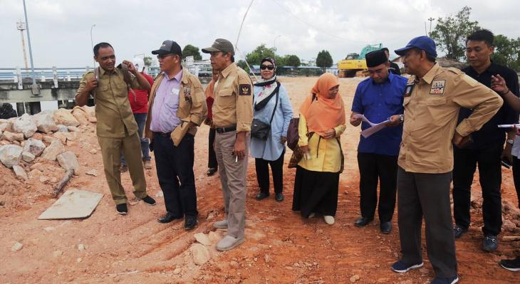 Rombongan Komisi III DPRD Kepri Saat Monitoring Pembangunan Pelabuhan Parit Rempak