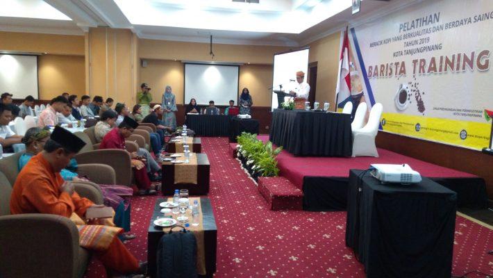 Plt Kadis Perdagin Kota Tanjungpinang, Samsudi saat menyampaikan kata sambutan