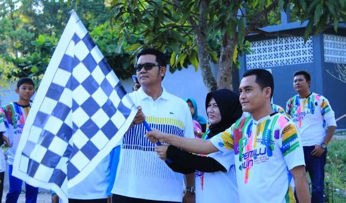 Bupati Bintan, Apri Sujadi Saat Mengangkat Bendera