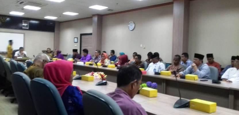 Suasana RDP di Ruang Komisi I DPRD Kota Batam. Foto JIHAN