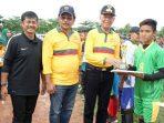 Walikota Tanjungpinang, Syahrul Bersama Gubernur Kepri, Nurdin Basirun dan Pelatih Timnas U 22 Foto Bersama