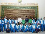 Walikota Tanjungpinang, Syahrul Foto Bersama Dengan Para Atlet Porprov Kota Tanjungpinang