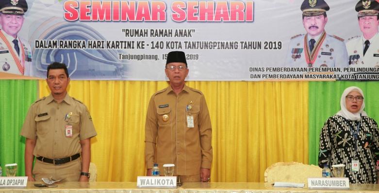 Walikota Tanjungpinang, Syahrul Saat Pembukaan Seminar Sehari Rumah Ramah Anak