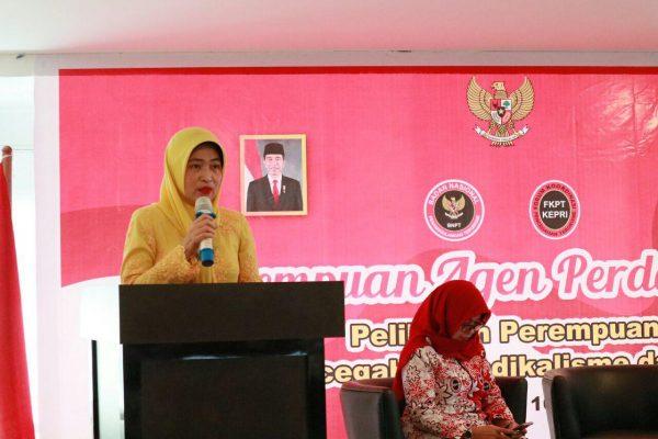 Kadis Pemberdayaan Perempuan dan Anak Provinsi Kepri, Misni saat berikan kata sambutan