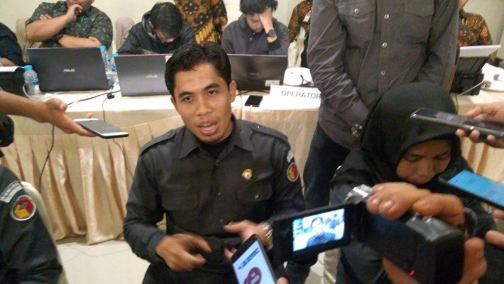 Ketua Bawaslu Kota Tanjungpinang Zaini saat dikonfirmasi oleh sejumlah awak media