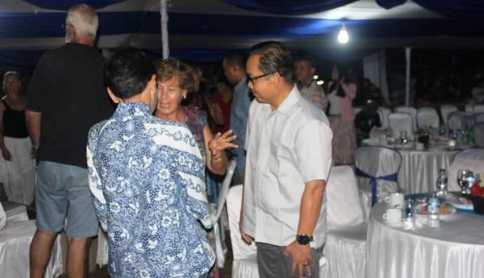 Kepala Dinas Pariwisata dan Kebudayaan Natuna, Hardinansyah Razani Ketika Melakukan Interaksi Dengan Peserta Sail to Natuna