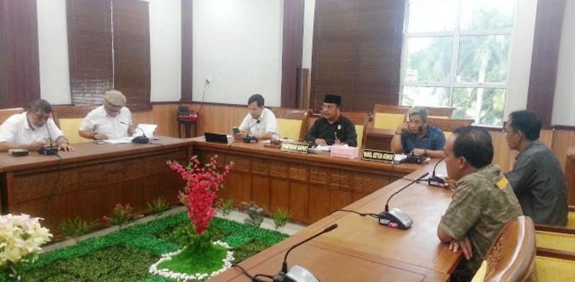 Komisi I DPRD Batam Saat RDP. Foto Infokepri
