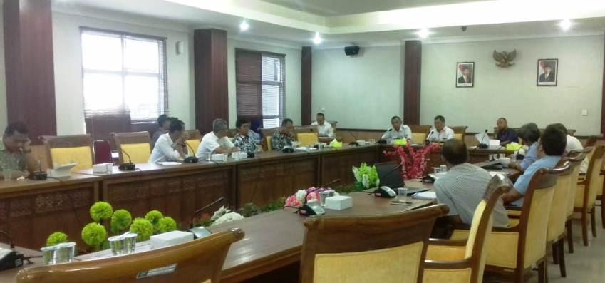 Suasana RDP di Ruang Komisi III DPRD Kota Batam. Foto JIHAN