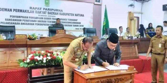 Penandatanganan Nota Persetujuan Tentang Ranperda Laporan Pertanggungjawaban Pelaksanaan APBD Tahun 2018