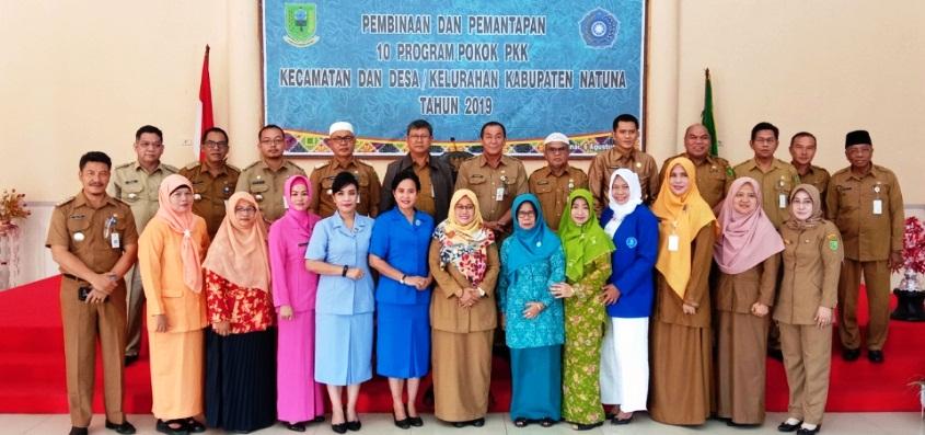 Foto Bersama Antara Pengurus PKK Kabupaten Natuna, OPD dan Camat