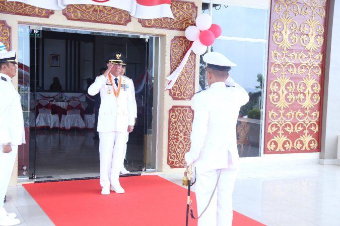 Walikota Tanjungpinang, H Syahrul S.Pd Inspektur Upacara (Irup) Hut Kemerdekaan RI ke-74. Photo: Humas