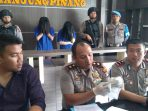 Waka Polres Tanjungpinang, Kompol Agung Gima didampingi Kasat Res Narkoba AKP Dwi Ramadhanto saat press rilis