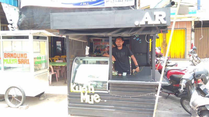 Owner kuliner khas Melyu Tuah Penyengat, Ulil Amri
