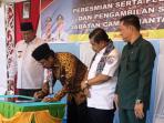 Gubernur Kepri, Nurdin Basirun Usai Meresmikan Kecamatan Siantan Utara