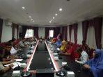 Pemko Tanjungpinang saat adakan pertemuan bersama pelaku UKM industri rumahan