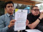 Manager Razman Arif Nasution, Ahmad K. D Saat Menunjukkan Surat Sebagai Kuasa Hukum BS
