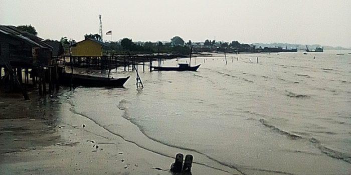 Pantai-Pak-Imam-Baran-Satu.-Foto-Masrie-Aidy