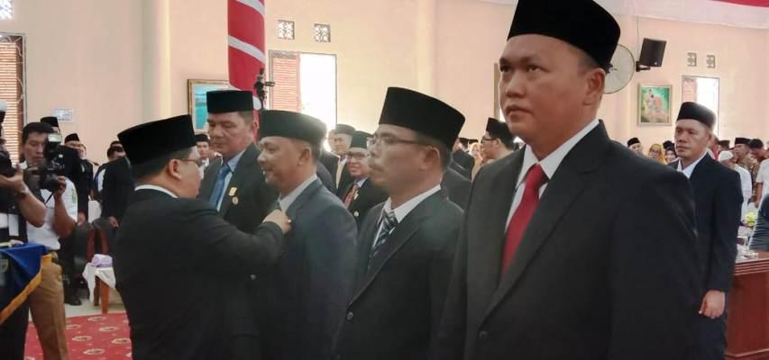 Penyematan Pin oleh Sekretaris Daerah Provinsi Kepri, H TS Ari Fadillah