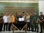 Walikota Tanjungpinang, H Syahrul S.Pd usai penandatangan MoU Pengamanan Perdagangan