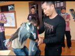 Pelaku saat diamankan oleh Tim Buser Polres Tanjungpinang di rumah warga jalan Sungai Serai gg Bunga Sei Serai 6, Tanjungpinang