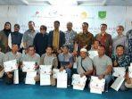 Foto Bersama Usai Penyerahan Hadiah Lomba Menulis Feature SKK Migas