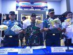 Danlantamal IV Tanjungpinang Laksamana Pertama TNI Arsyad Abdullah SE., M.A.P saat Press Rilis dihadapan sejumlah awak media di lobby Markas Komando (Mako) Pangkalan TNI Angkatan Laut (Lanal) Batam.