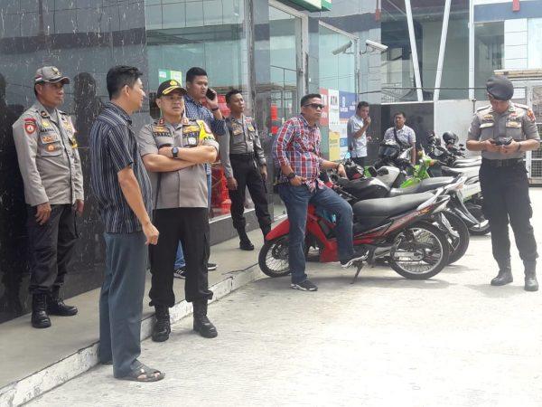 Kapolres Tanjungpinang AKBP Muhammad Iqbal saat menunjungi SPBU di Km 3, Tanjungpinang