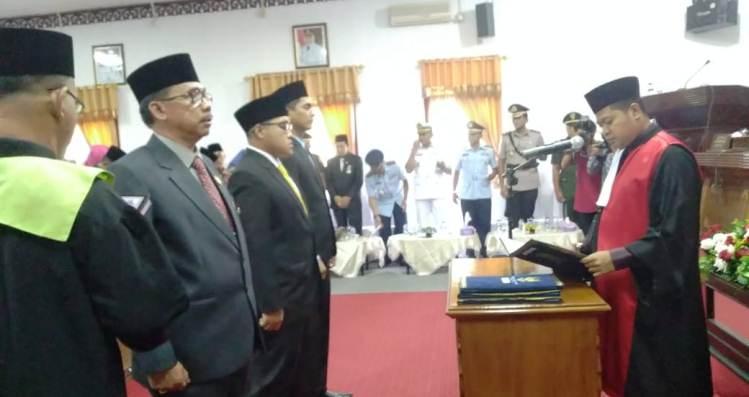 Pimpinan DPRD Natuna Saat Pengambilan Sumpah dan Janji oleh Plh Ketua Pengadilan Negeri (PN) Natuna, Nanang Dwi Kristanto