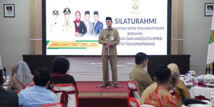 Wali Kota Tanjungpinang, Syahrul Saat Menyampaikan Kata Sambutannya Diacara Silaturahmi