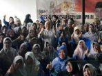 H Dharma Setiawan Foto Bersama Masyarakat Usai Sosialisasi Empat Pilar MPR RI