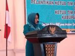Ketua TP PKK Kabupaten Natuna, Hj Nurhayati Hamid Rizal saat menyampaikan kata sambutan dipelatikan TP PKK Kecamatan