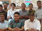 Osco Bersama Ketua Perpat Pesisir Zulfizer Saat Safari Politik