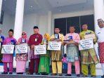Penyerahan Penghargaan Predikat Sekolah Adiwiyata Tingkat Kabupaten Natuna Tahun 2018 Kepada Tujuh Sekolah