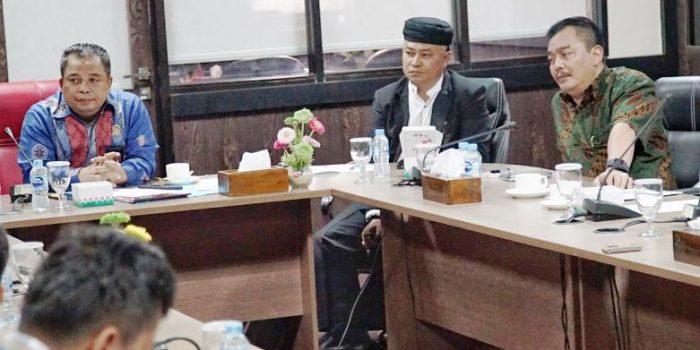 Widiastadi Bersama Anggota Komisi III DPRD Kepri Saat RDP Dengan PLN Batam