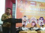 Osco saat menyampaikan Visi dan Misi di konvensi DPC Hanura Batam. f ist