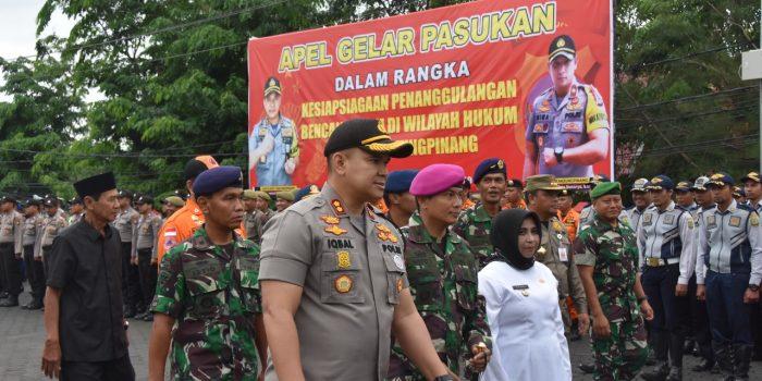 Kapolres Tanjungpinang AKBP M.Iqbal bersama-sama saat mengecek kesiapan pasukan siaga bencana