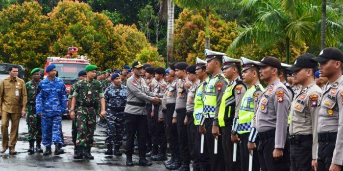 Kapolres Natuna, AKBP Nugroho Dwi Karyanto S.I.K saat pemeriksaan pasukan dalam rangka kesiapsiagaan penanggulangan bencana di Wilayah Natuna